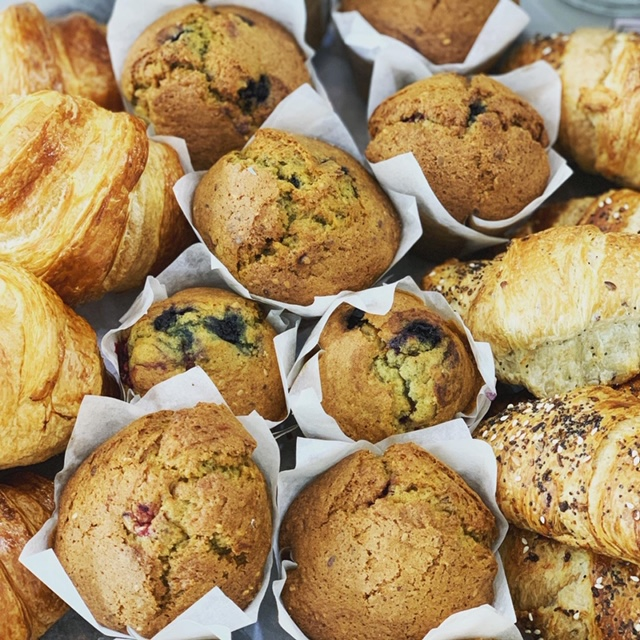 Breakfast Box of Love( 3 Flaxseed Multiberry Muffins,3 Butter Biscuits, 3 Vegan Apple Turnovers)